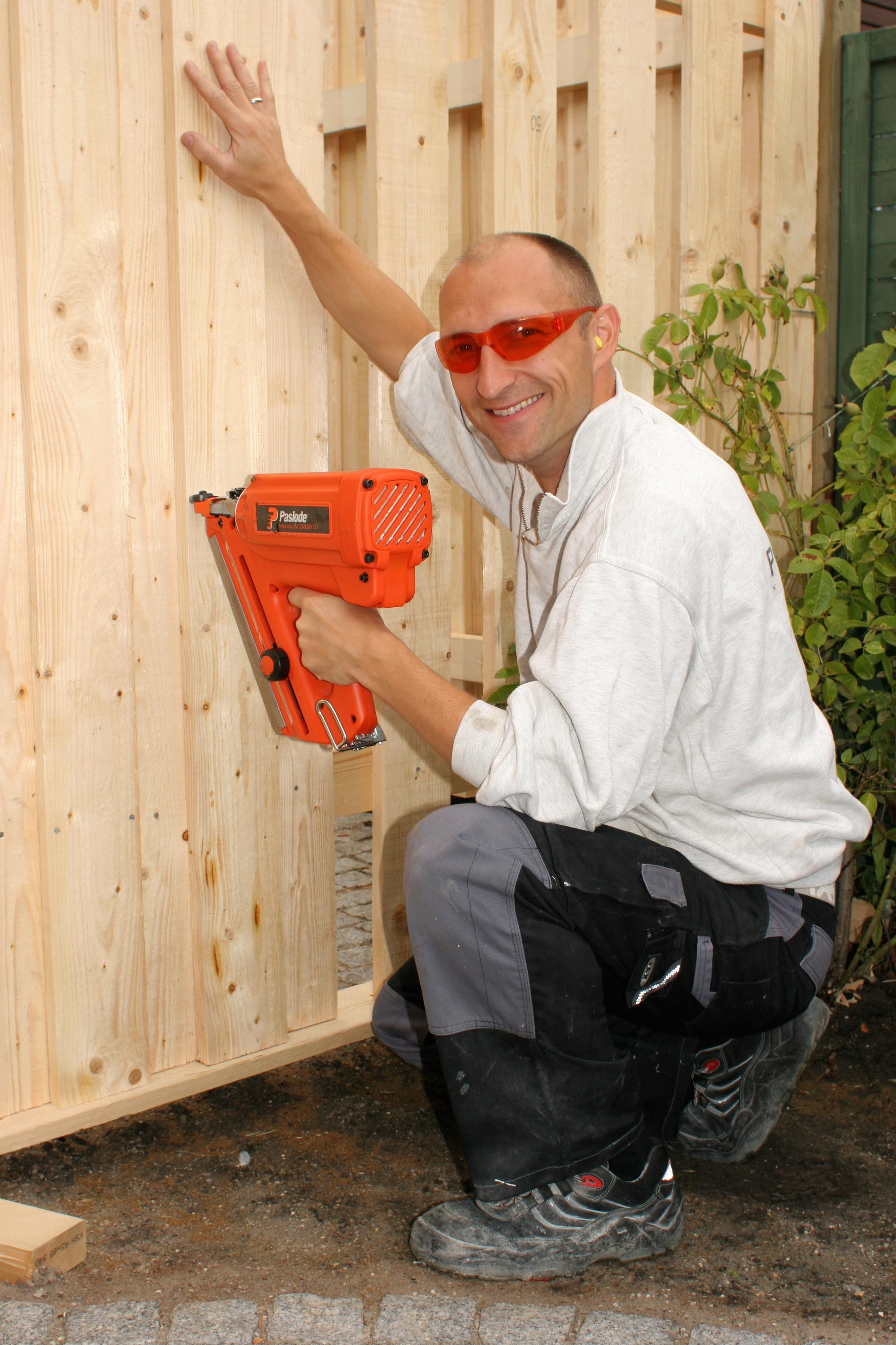 #B83713 Mest effektive Byg Selv Plankeværket (gør Det Selv Plankeværk Trin For Trin) Handyman.dk Gør Det Selv Værksted Hasselager 6335 233635046335
