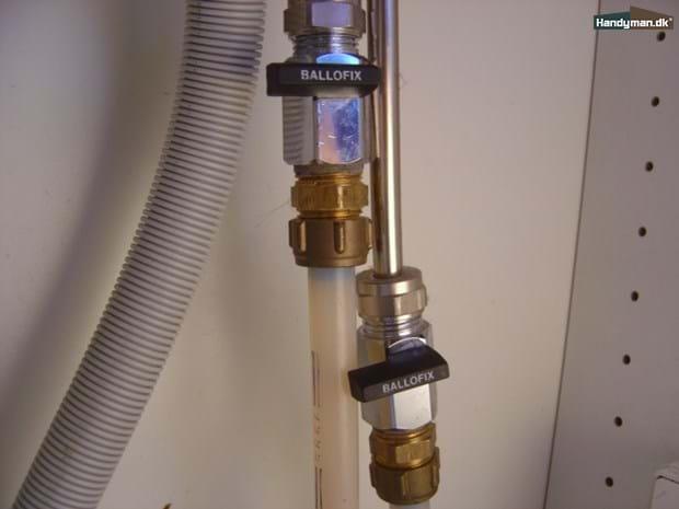 Luk for vandet | Udskifning af blandingsbatteri (vandhane)