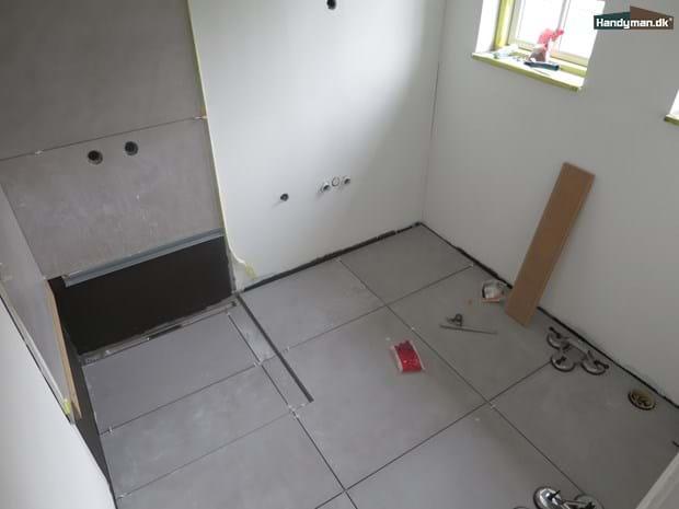 Avanceret Fliser i råt beton look | Nyt badeværelse. Sådan sparer du kr OL34