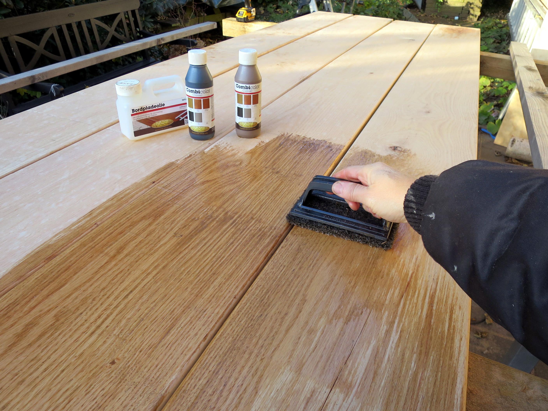 Oliebehandling Af Traebordplader Og Plankeborde Oliebehandling Af Massive Traebordplader