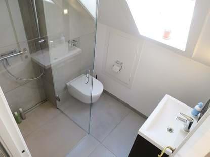 Utroligt Brusekabine der kan slås ind | Lille badeværelse.? Få 7 vigtige CR97